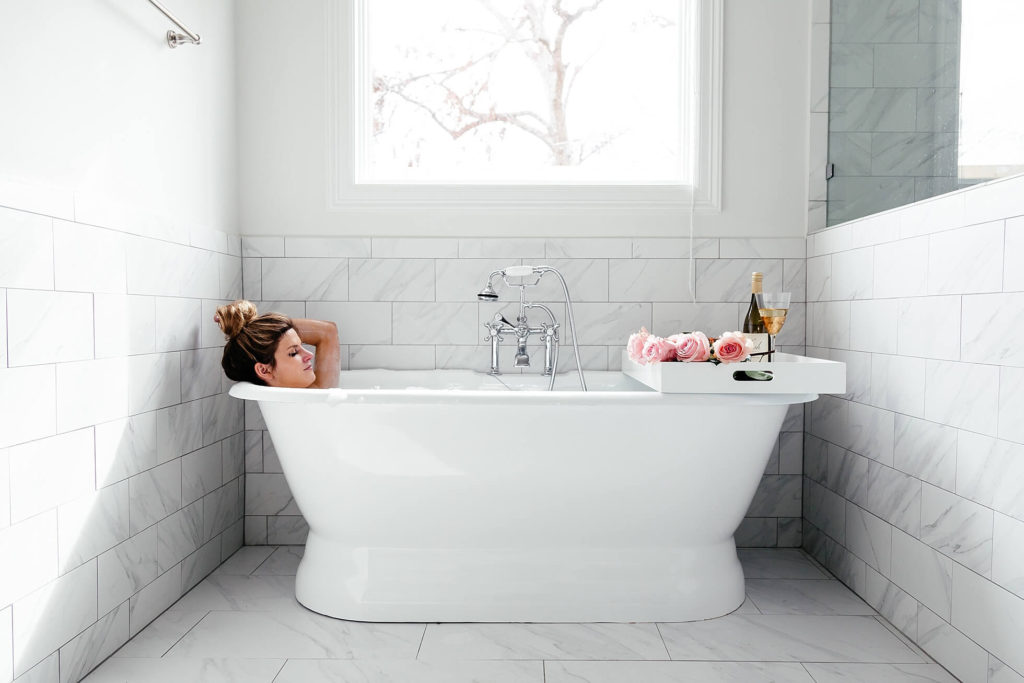 5 Simple Guilt-Free Ways to Treat and Pamper Yourself